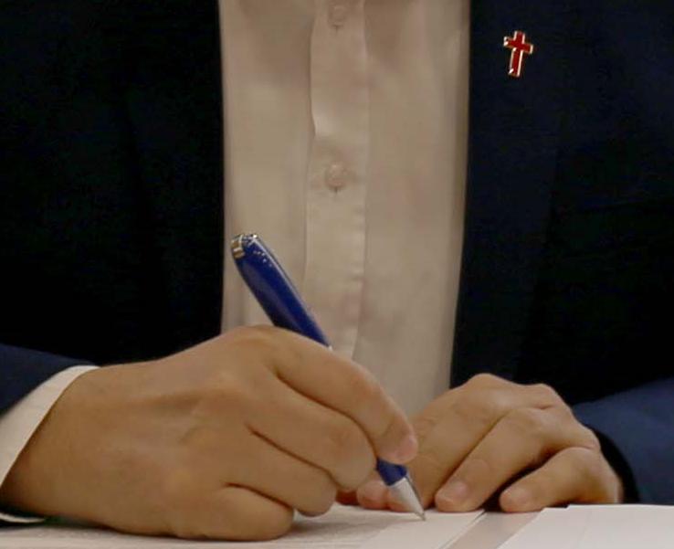 Bermejo suscribe la declaración de Comillas sobre la eutanasia.