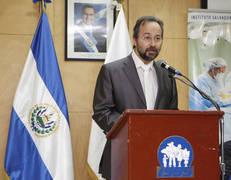 Humanizando el seguro social de El Salvador