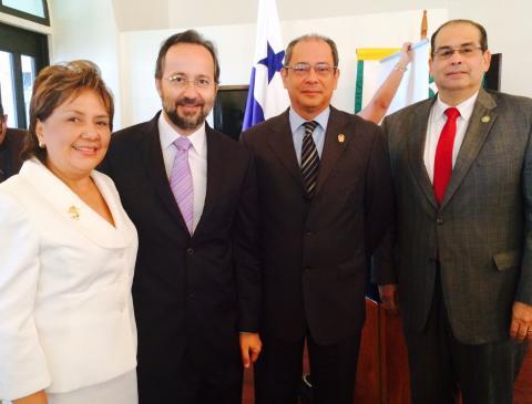 Bermejo en Congreso humanización de Panamá